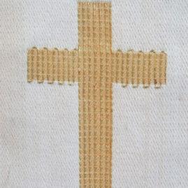 Kors på stola med indvævet guldtråd