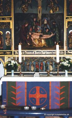 Damaskvævet antependium samt alterdug, Estvad kirke