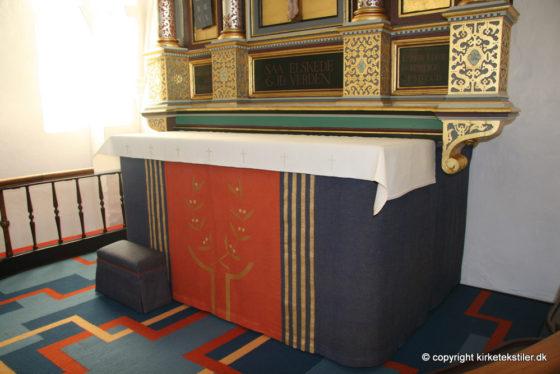 Altertæppe. antependium samt alterdug, Ferslev kirke