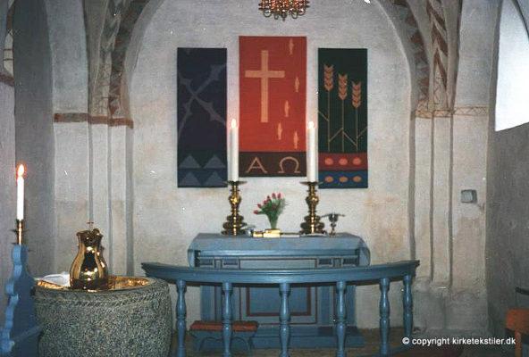 Alterbilleder vævet i gammel nordisk mønsterteknik, Kasted kirke